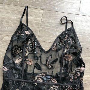 Tobi Blk Sheer Embroidered Maxidress w/ slits - S